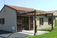Moncontour Active Park, Ferienhaus mit Terrasse