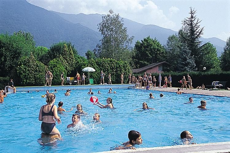 Camping Due Laghi - Piscine