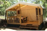 Camping des Bastides, Canvas tent without bathroom facilities.