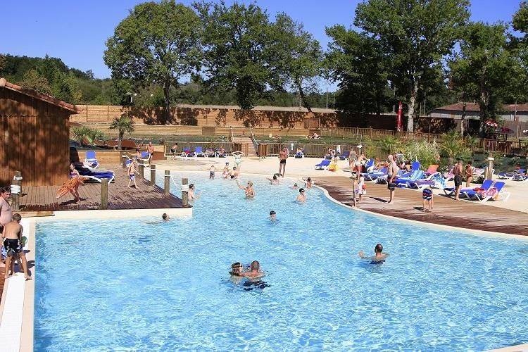 Camping Les Rives du Lac - Piscine