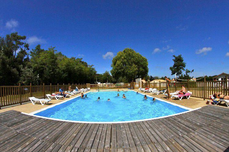 Camping Ternélia La Caillebotière - piscine chauffée