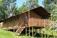 L'Evasion, Hut on stilts