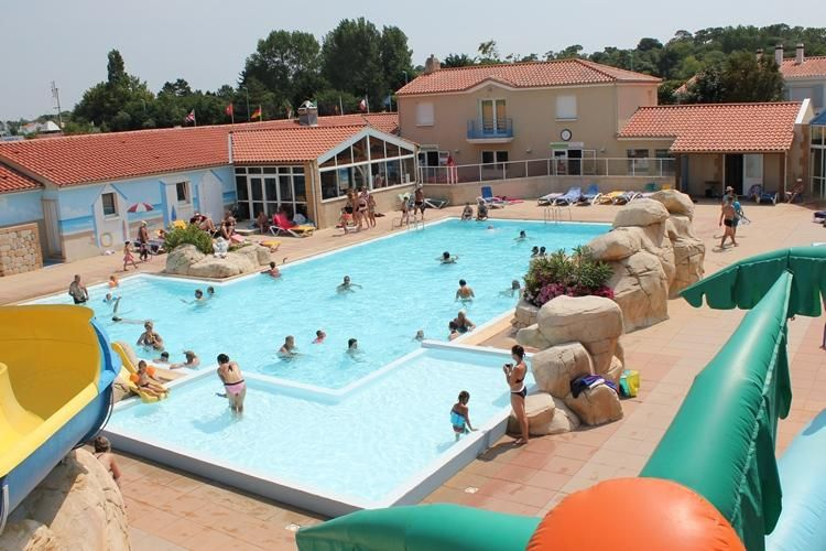 Camping Le Bois Joly - Piscine
