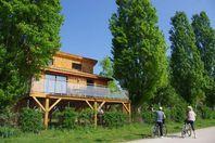 Kanopée Village, Chalet mit Terrasse