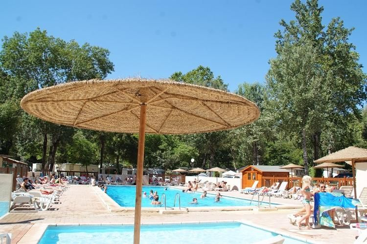Camping Au Vallon Rouge - Piscine