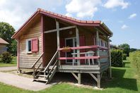 Camping de Saulieu, Chalet mit Terrasse