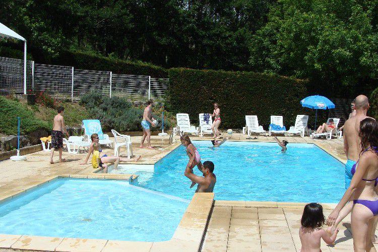 Camping Les Chalets de la Gazonne - Piscine