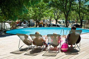 Camping Huttopia Le Moulin -piscine