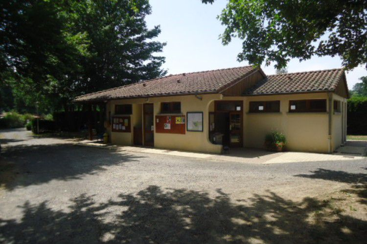Camping des Prairies d'Auvergne - Vue du camping