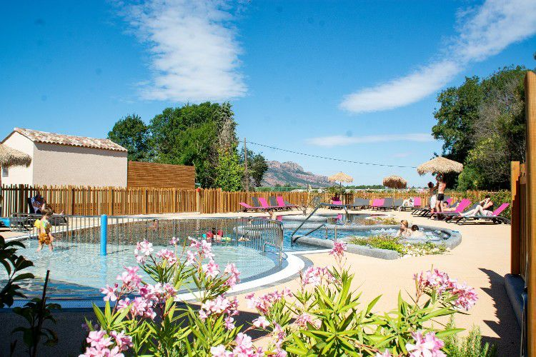 Camping Moulin Des Iscles - piscine