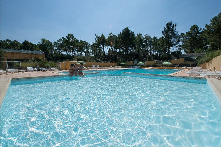 Camping Domaine des pins - Piscine