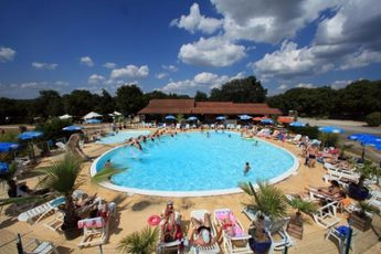 Camping Les Cigales - Piscine