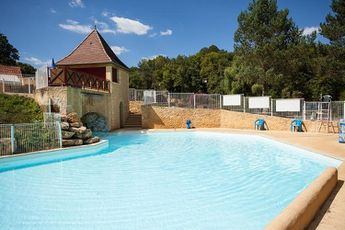 Camping Le Val d'Ussel - Piscine